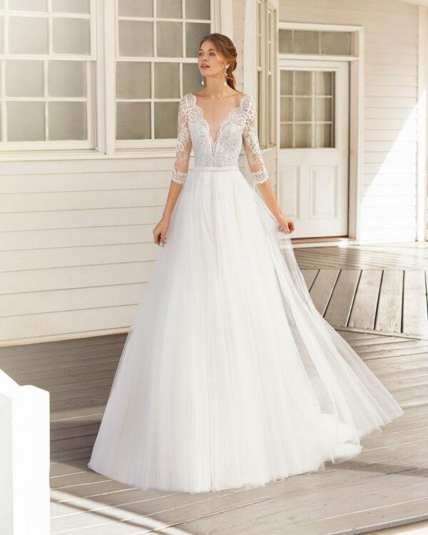 Brautkleid A-Linie Prinzessin mit Langarm V-Neck V-Ausschnitt und Spitzenärmeln Brautmode Peine