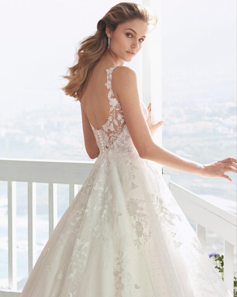 Brautkleid Kollektion 2020 tiefe geschnittener Rücken