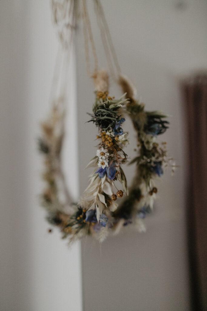 Trockenblumenkranz für die Braut