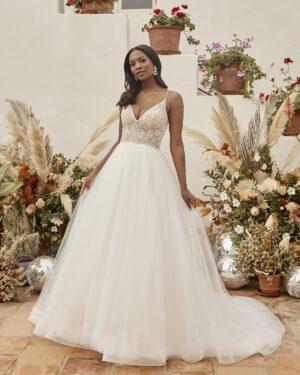 Brautkleid moderne Prinzessin schlichter Rock mit Spitzenoberteil Spaghettiträger Brautmode Wolfsburg