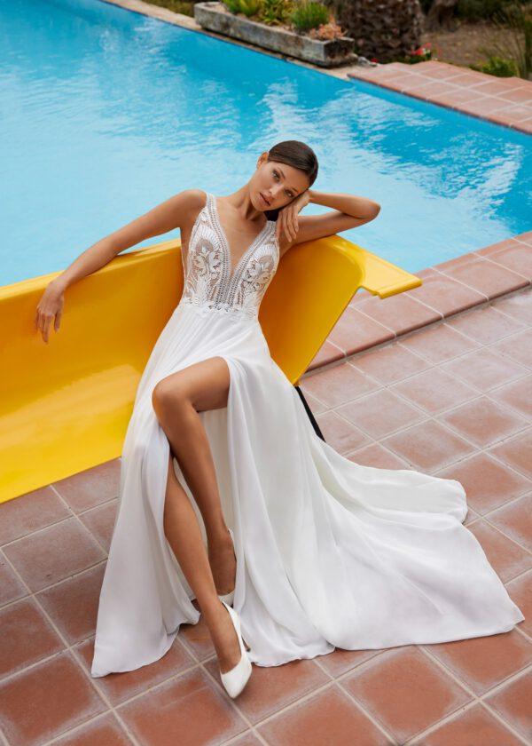 Brautkleid mit Schlitz sexy boho Federspitze tiefer Ausschnitt Sommerbrautkleid Träger Brautmode Hochzeitskleid Hochzeitsblume Bodykleid Gifhorn