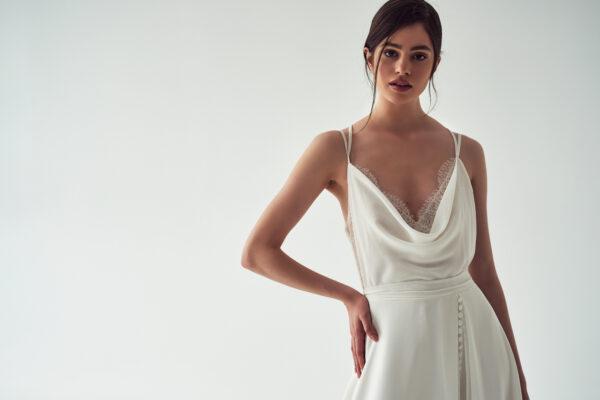 Brautmoden Trends 2022 minimal chic
